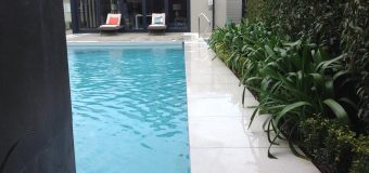 Contemporary Pool and Jacuzzi Killiney